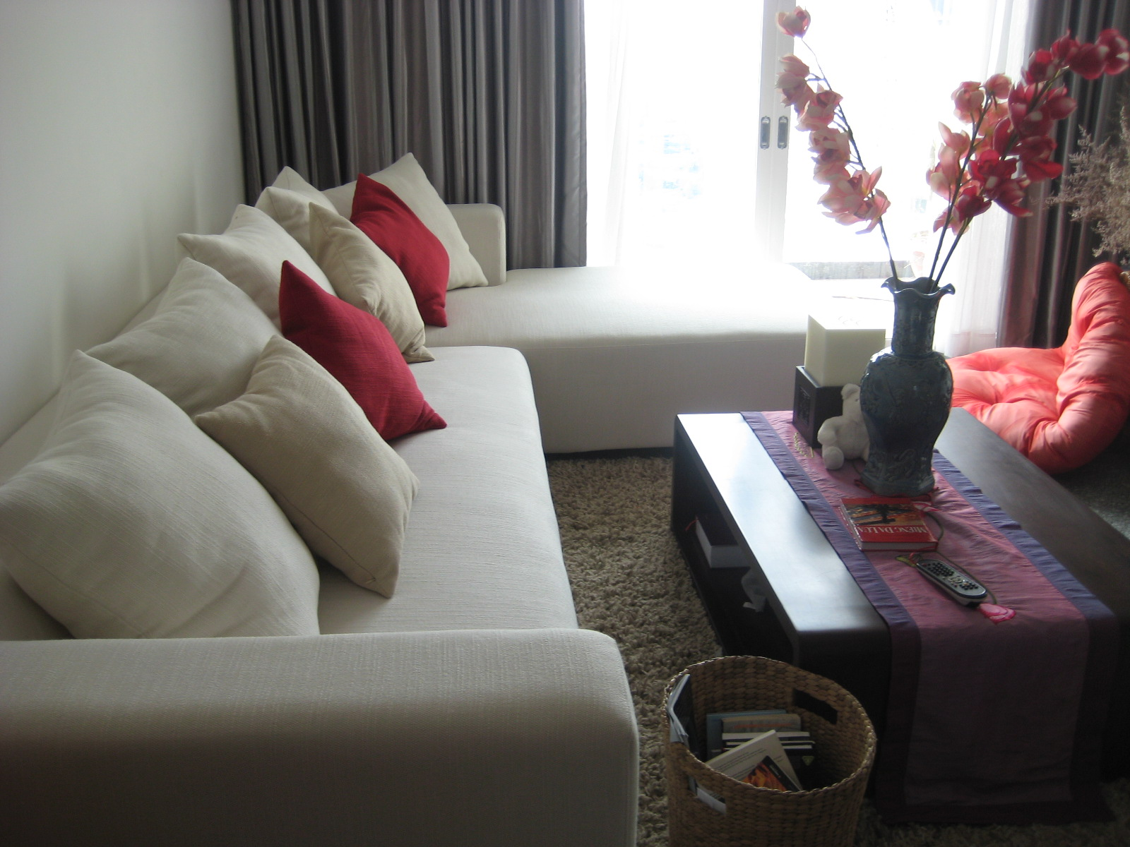 BEAUTIFUL 3 BEDROOMS APARTMENT FOR RENT