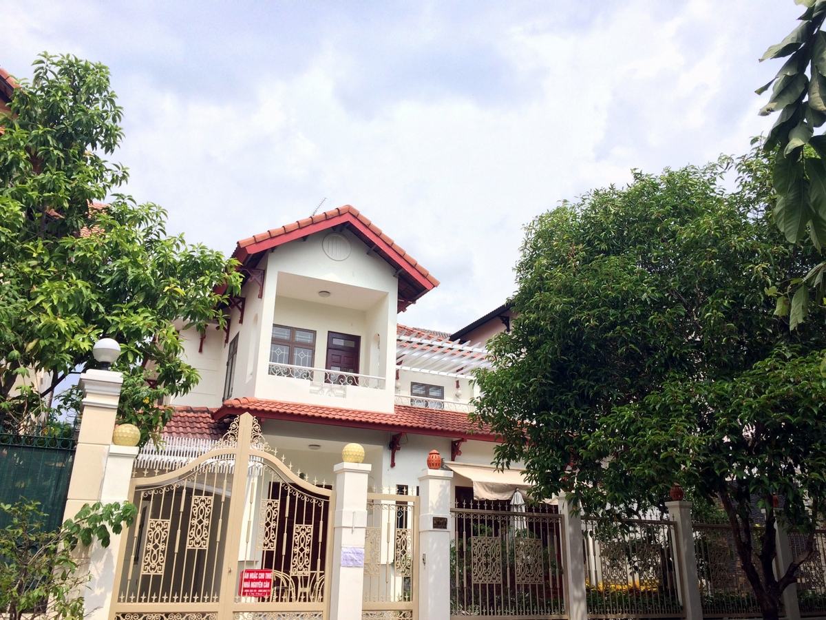 A NICE VILLA FOR SALE IN THAO DIEN WARD, DISTRICT 2.