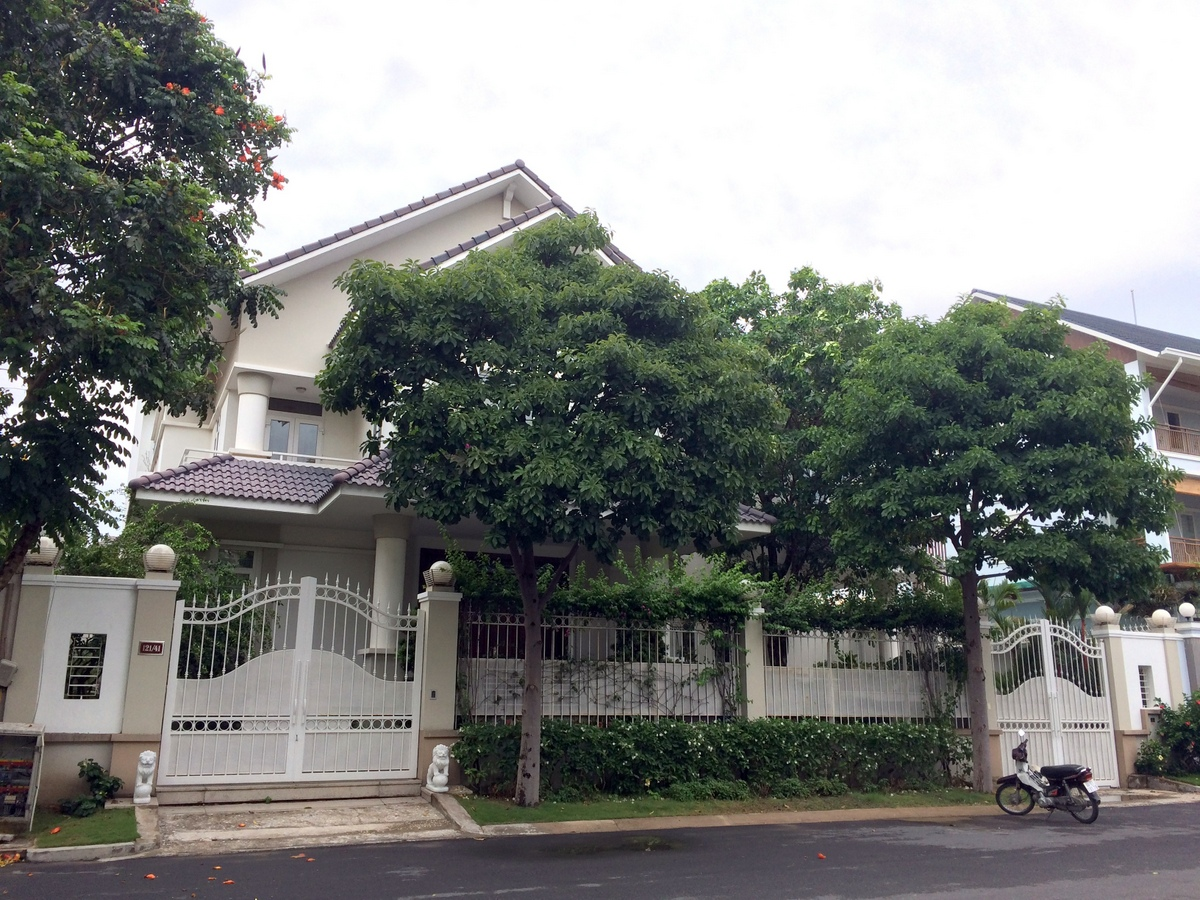 A COZY VILLA FOR RENT IN THAO DIEN WARD, DISTRICT 2.