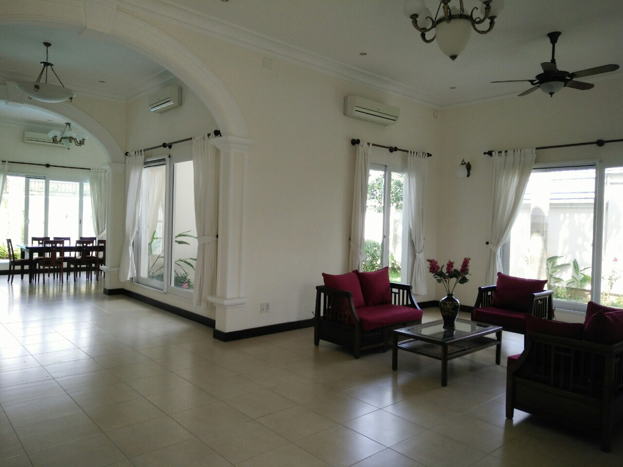 A NICE VILLA FOR RENT IN KIM SON COMPOUND, THAO DIEN WARD