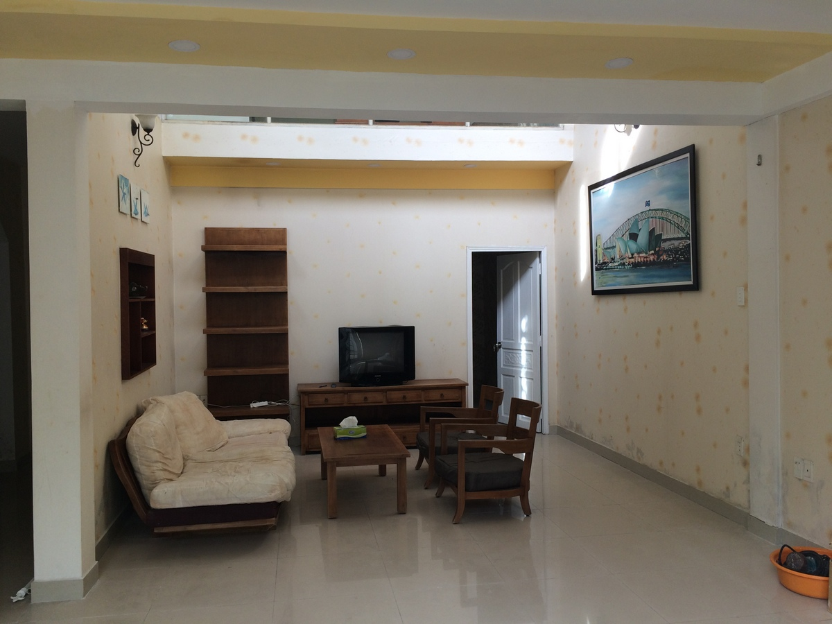 SMALL VILLA IN FRONT OF RIVER FOR RENT AT THAO DIEN.
