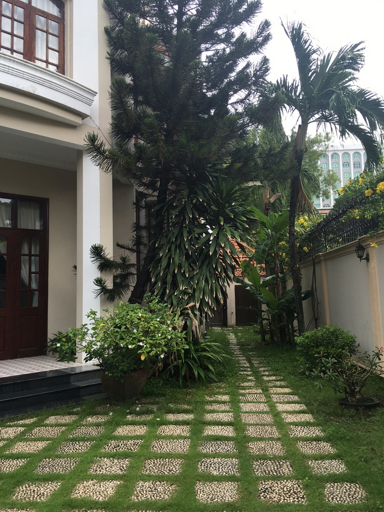 BEAUTIFUL VILLA FOR RENT IN THAO DIEN.