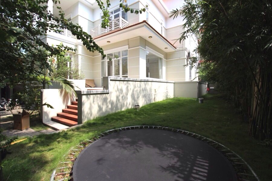 NICE VILLA FOR RENT NEAR BY RIVER IN THAO DIEN