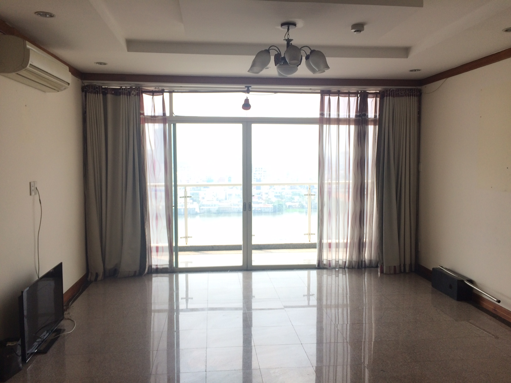 HOANG ANH RIVERVIEW APARTMENT FOR RENT AT THAO DIEN
