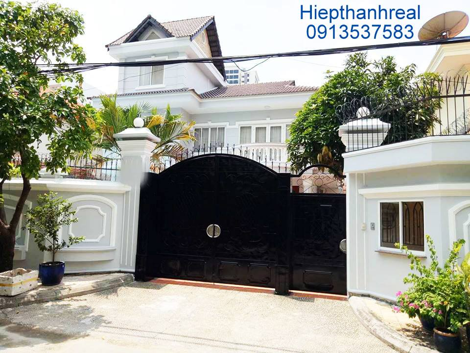 BEAUTIFUL VILLA COMPOUND FOR RENT AT THAO DIEN