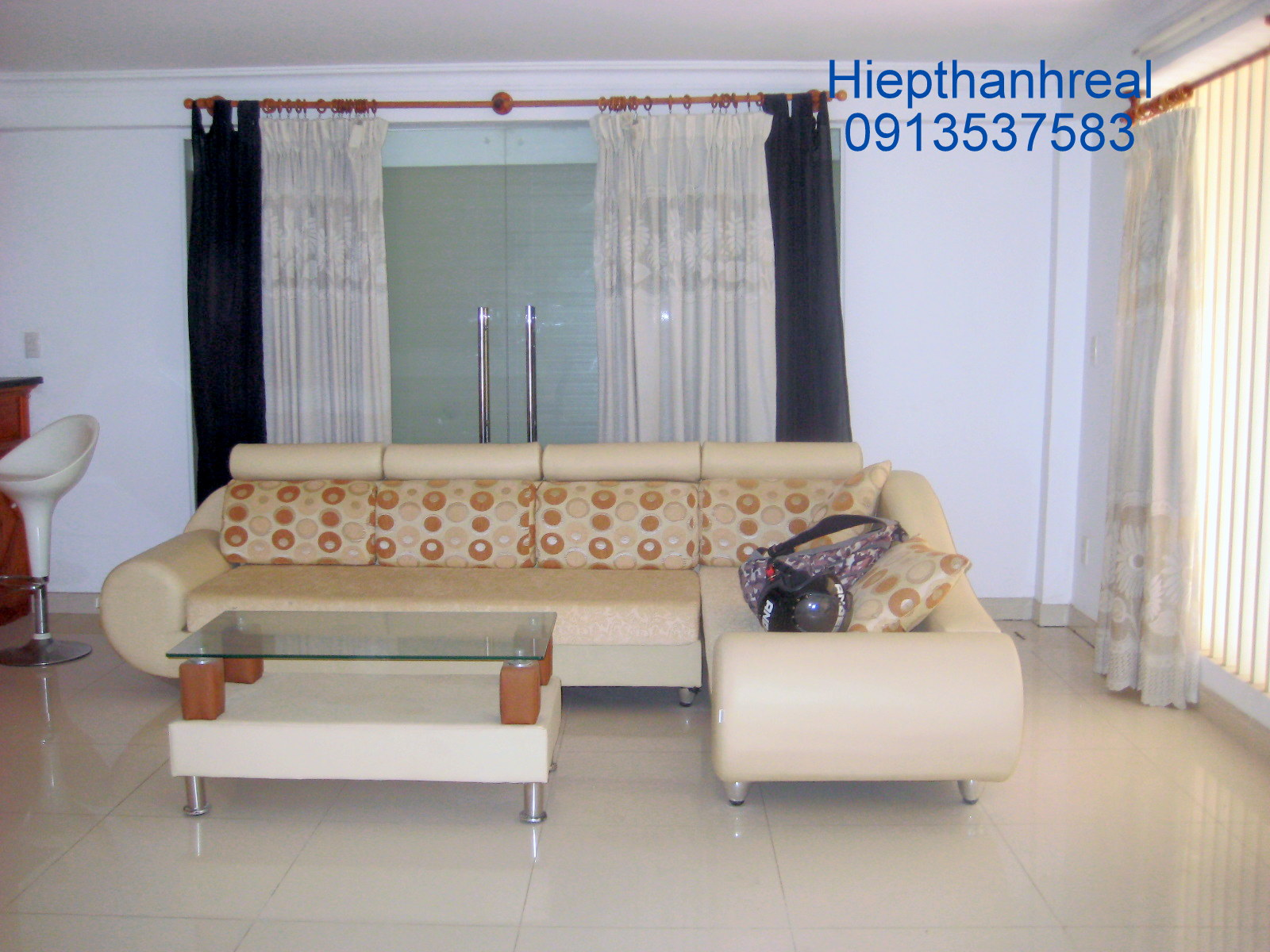 NICE HOUSE FOR RENT AT THAO DIEN