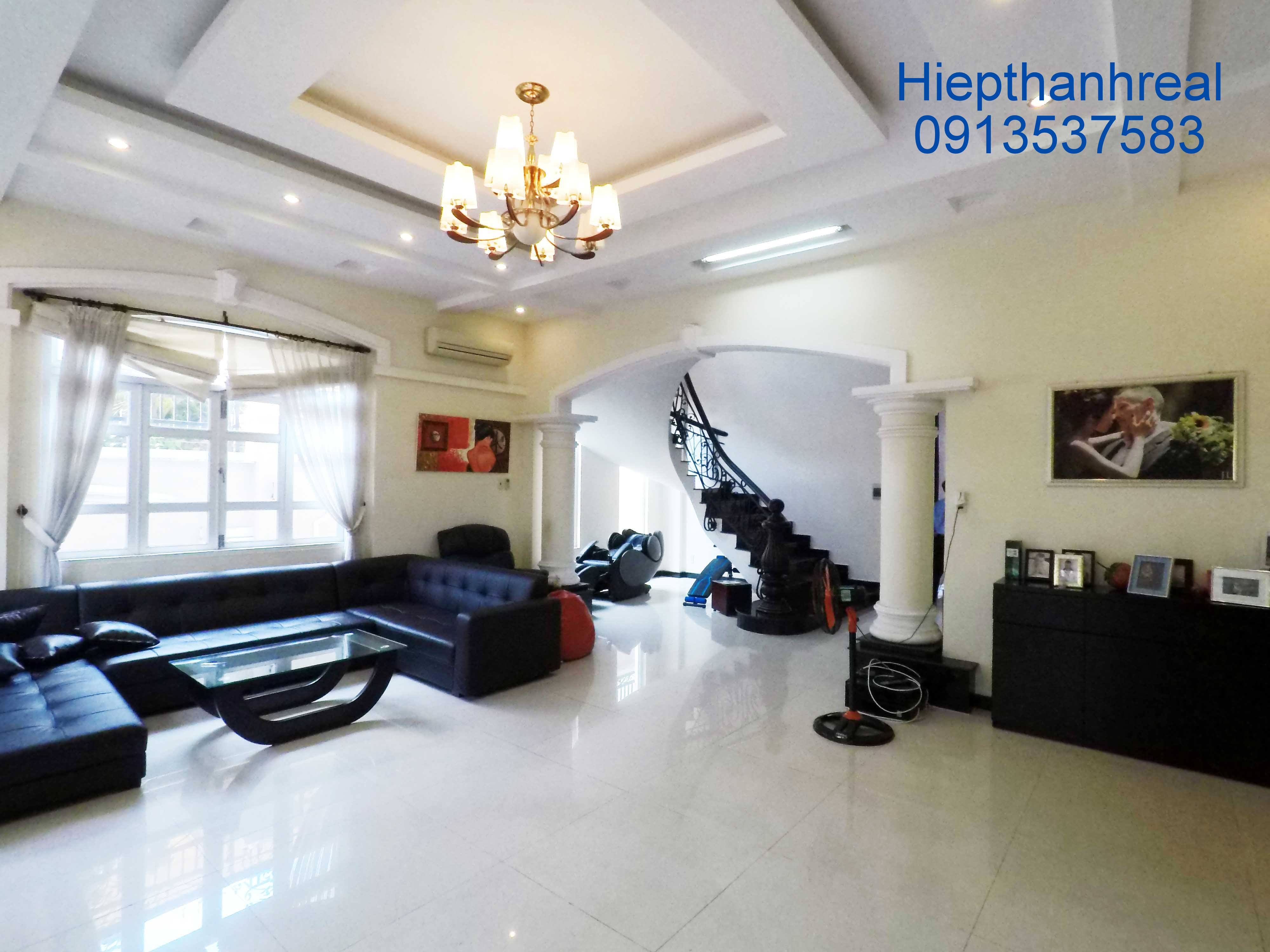 NICE VILLA FOR RENT AT THAO DIEN