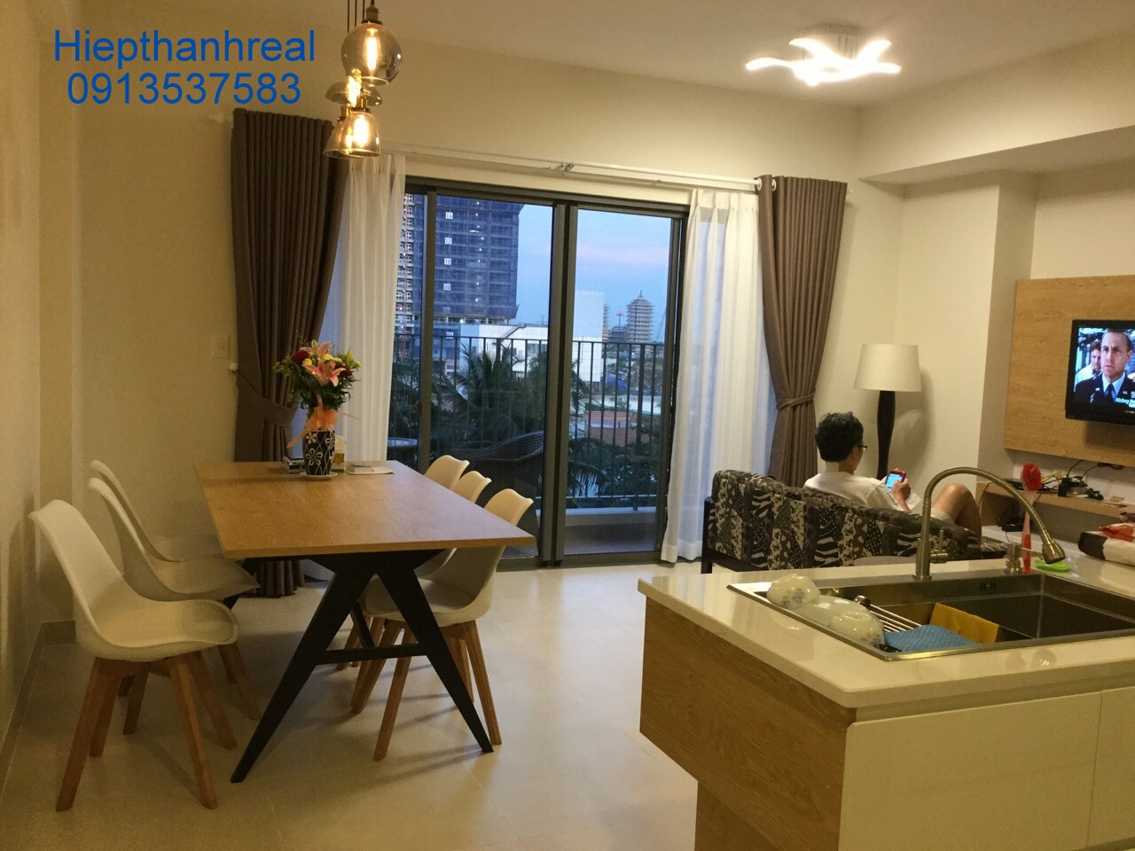 LUXURY APARTMENT IN MASTERI THAO DIEN FOR RENT