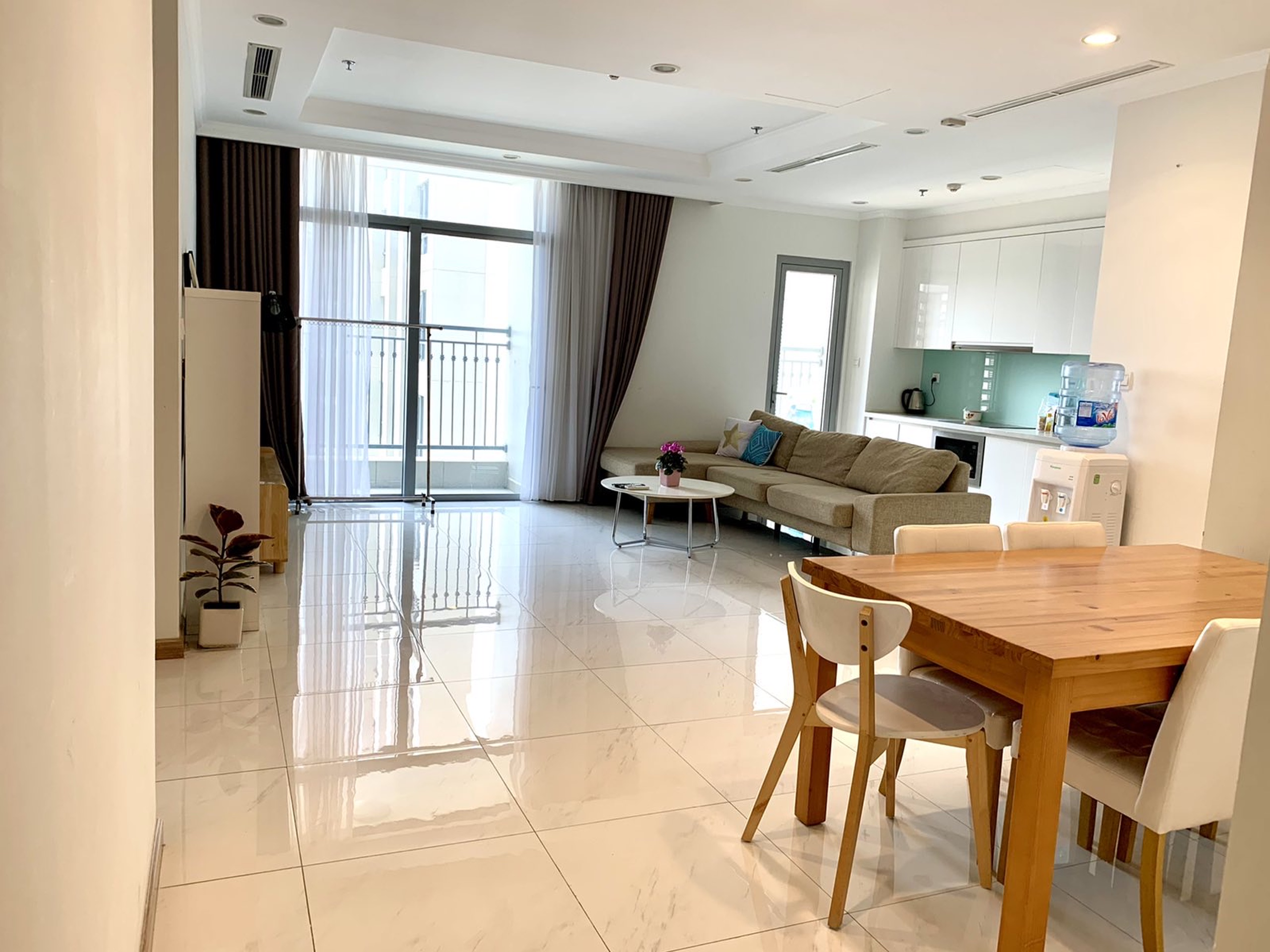 1800$/month, Vinhome Center ParK apartment for rent on Nguyen Huu Canh street, Binh Thanh District.